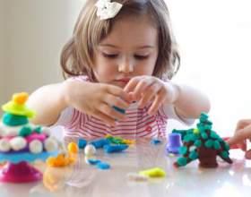 5 Игр для развития моторики рук для детей до двух лет фото