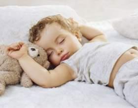 5 Способов уложить ребенка спать фото