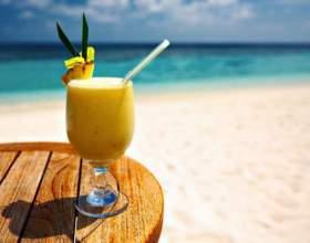 """Безалкогольный мятно-дынный коктейль """"пляж"""" фото"""