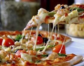 Быстрая пицца в мультиварке фото