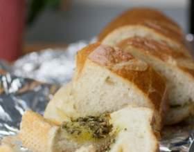 Чесночный хлеб с зеленью фото