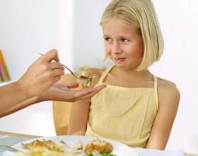 Что делать, если ребенок мало ест? фото