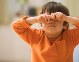 Что делать, если у ребенка опухли глаза фото