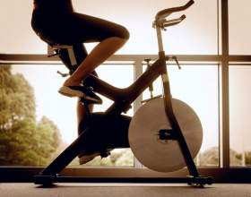 Что лучше: беговая дорожка или велотренажер? фото