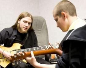 Что надо знать, чтобы научиться играть на гитаре фото