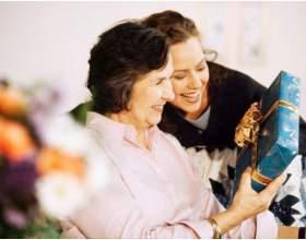 Что подарить бабушке фото