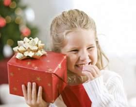 Что подарить девочке на 8 марта фото