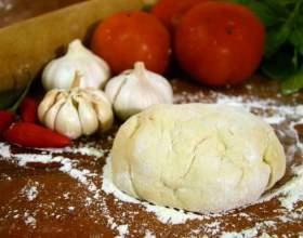 Диетическая пицца: полезная основа и соус фото