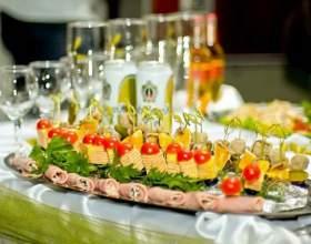 Фуршетное меню: подбор блюд и оформление стола фото