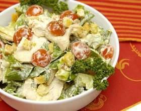 Как быстро приготовить салат цезарь фото