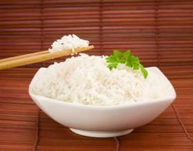 Как есть рис палочками фото