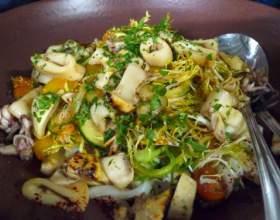 Как готовить салат грибной с кальмарами фото