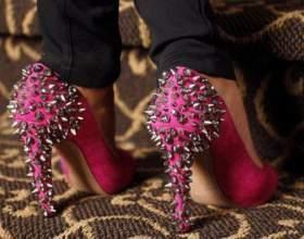 Как и с чем носить туфли с шипами фото
