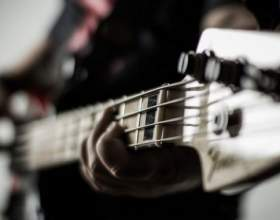 Как играть на электрогитаре соло фото