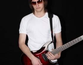 Как играть на ритм-гитаре фото