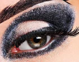 Как красить глаза темными тенями фото