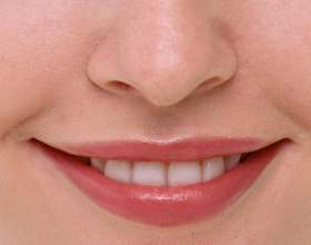 Как красить тонкие губы фото