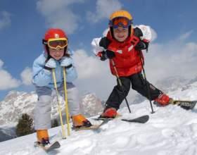Как крепить крепления к детским лыжам фото