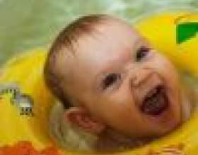 Как купать ребенка с кругом фото
