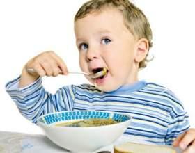 Как научить малыша принимать пищу самостоятельно фото