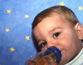 Как научить пить из бутылочки фото