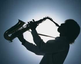 Как научиться играть на саксафоне фото