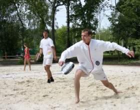 Как научиться играть в пляжный теннис фото