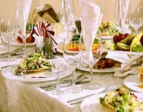 Как оформить праздничный стол фото