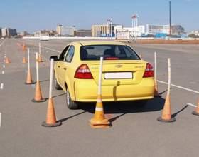 Как парковаться задним ходом фото
