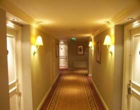 Как подобрать обои для коридора фото