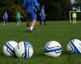 Как поступить в футбольный клуб фото