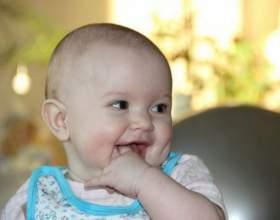 Как предотвратить раздражение от слюней у ребенка фото