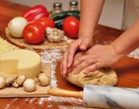 Как приготовить быстро тесто для пиццы фото