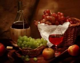 Как приготовить домашнее полусладкое вино фото