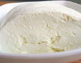 Как приготовить домашний творог из деревенского молока фото