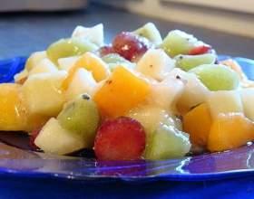 Как приготовить фруктовый салат с соусом фото
