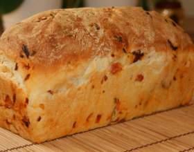 Как приготовить хлеб с чесноком, базиликом и помидорами фото