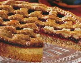 Как приготовить ореховый пирог с малиновой начинкой фото
