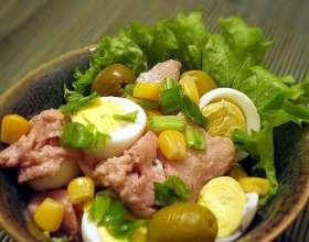 Как приготовить салат из печени трески с кукурузой фото