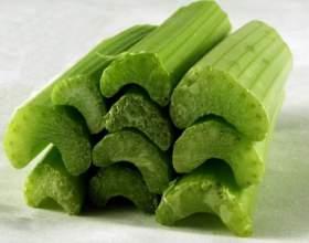Как приготовить салат с сельдереем фото