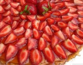 Как приготовить ванильный пирог с клубникой фото