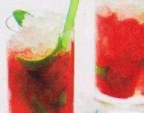 Как просто сделать клубничный безалкогольный мохито фото