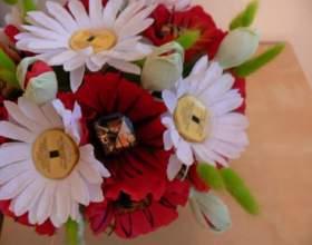 Как сделать цветок из конфет своими руками фото