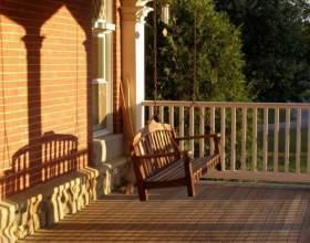 Как сделать из балкона летнюю веранду фото