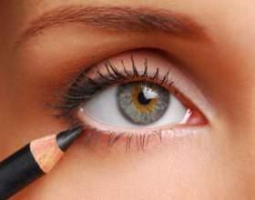 Как сделать круглый глаз продолговатым при помощи подводки фото