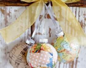 Как сделать новогодние шары из ткани фото