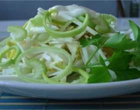 Как сделать салат из сельдерея фото