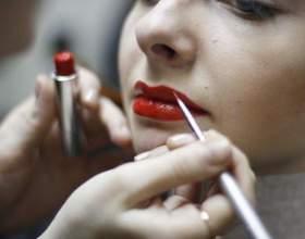Как сделать в макияже акцент на губы фото