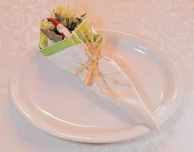 Как складывать салфетки красиво на стол фото