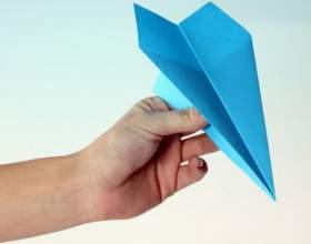 Как сложить бумажный самолетик фото